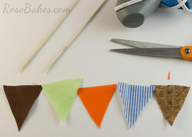 How-to-Make-Bunting-for-Cake-05