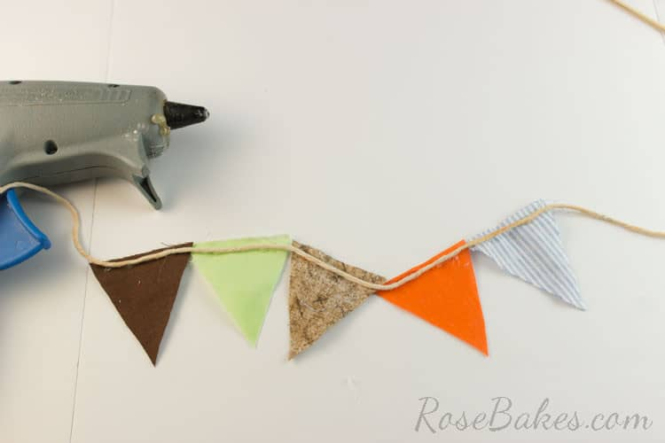 How-to-Make-Bunting-for-Cake-12