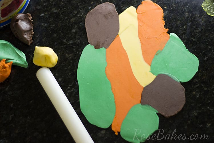 How-to-Make-Fall-Leaves-Cupcake-Toppers-04