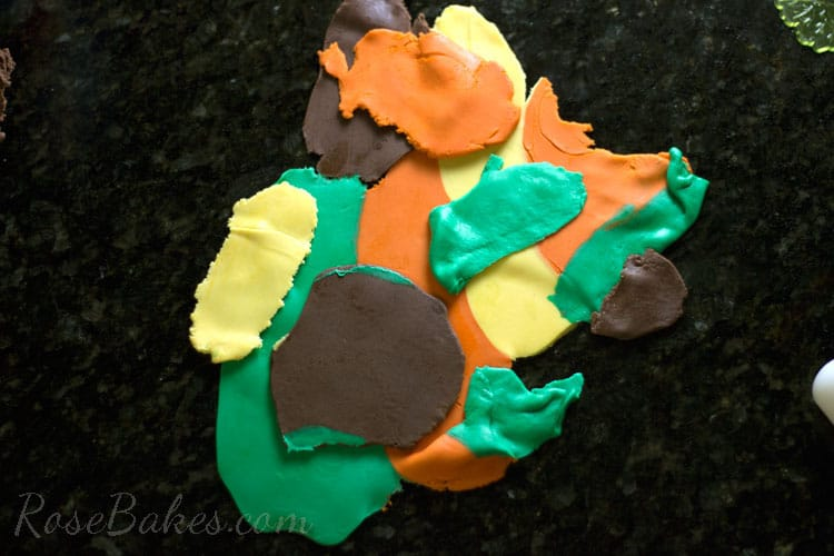 How-to-Make-Fall-Leaves-Cupcake-Toppers-05
