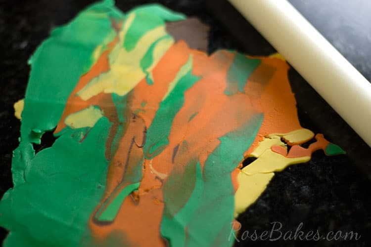 How-to-Make-Fall-Leaves-Cupcake-Toppers-11