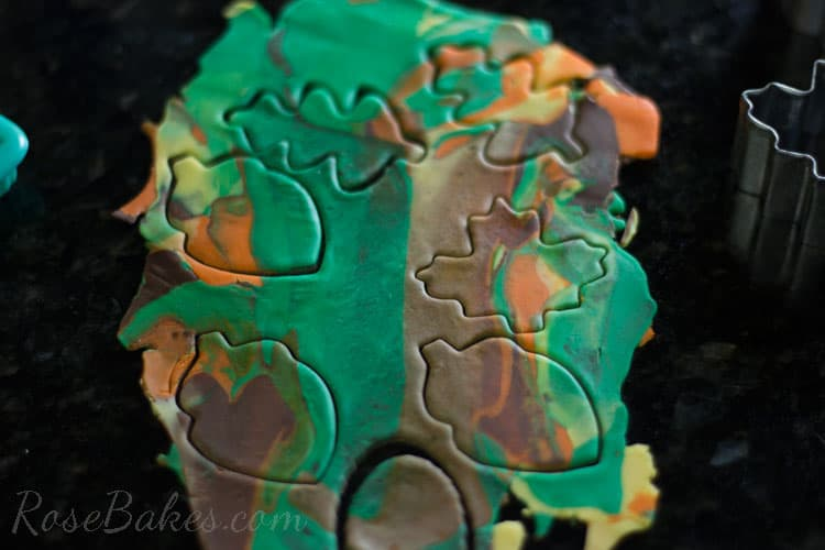 How-to-Make-Fall-Leaves-Cupcake-Toppers-12