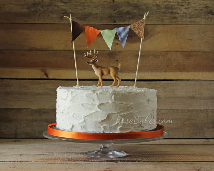 Rustic-Deer-Hunting-Cake-with-Bunting