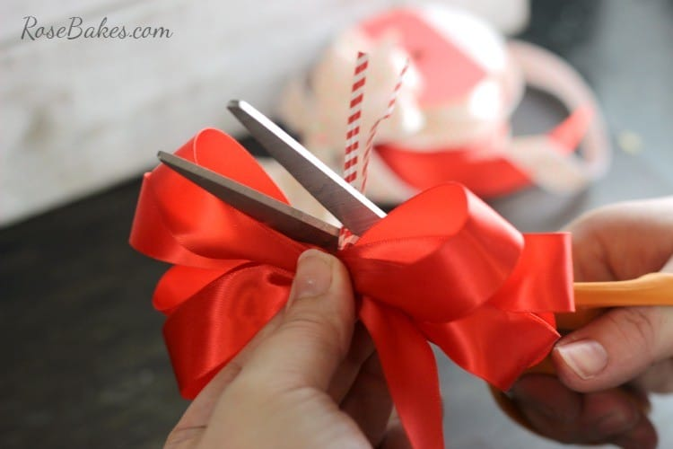 How-to-Make-a-Simple-Bow-06