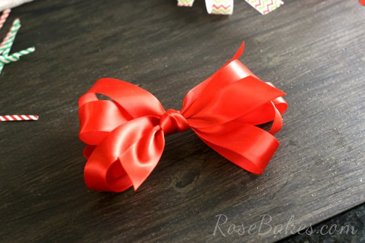 How-to-Make-a-Simple-Bow-09