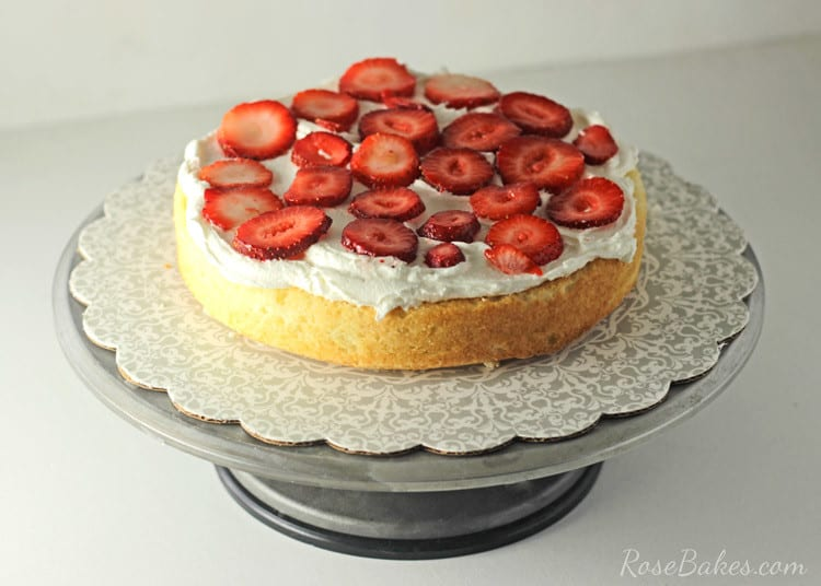Red-Velvet-Strawberry-Shortcake-Cake-with-Cream-Cheese-Frosting-03