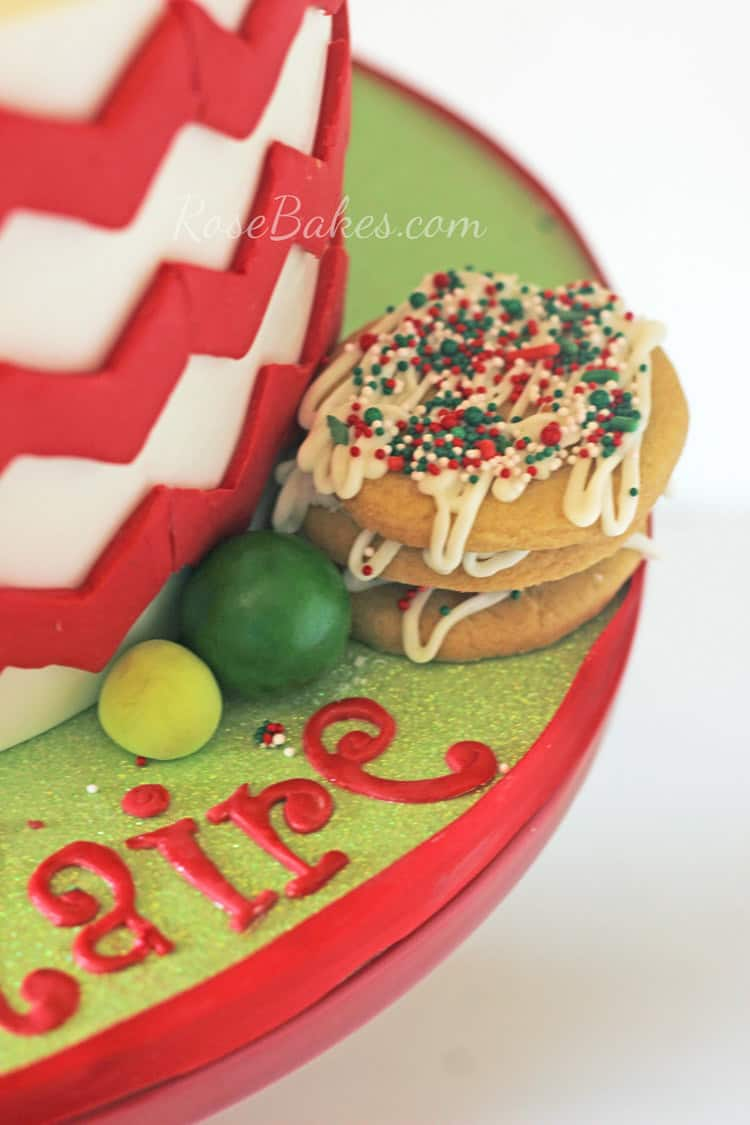 Sugar-Cookies-on-Cake