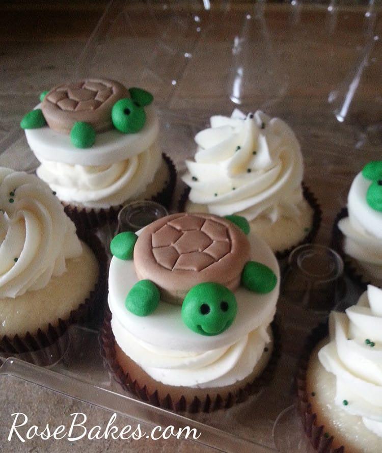 Turtle Cupcakes | RoseBakes.com