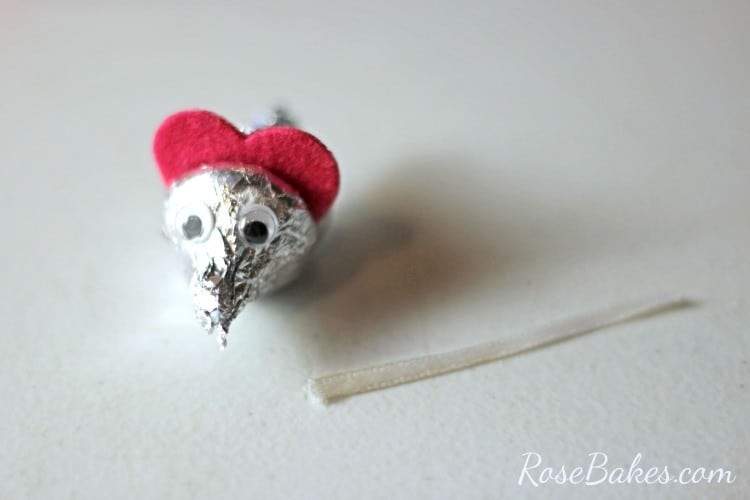How to Make Valentine's Hershey Kisses Mice 05