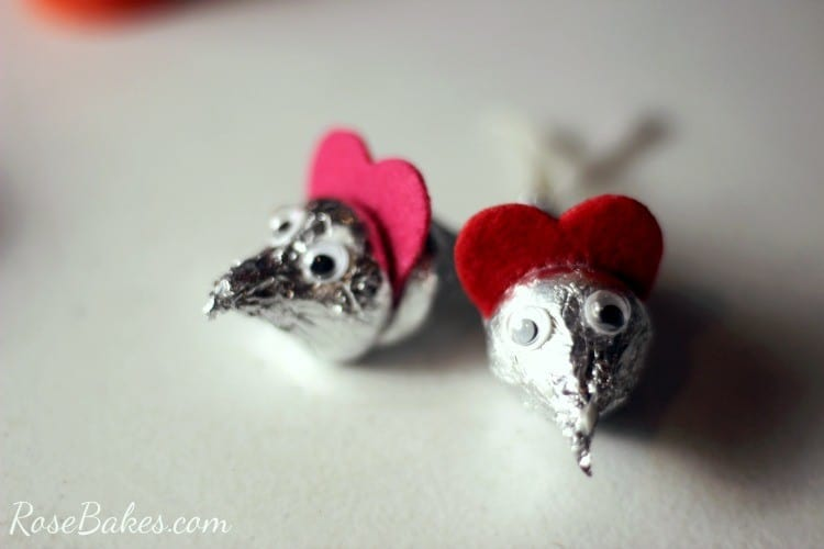 How to Make Valentine's Hershey Kisses Mice 06