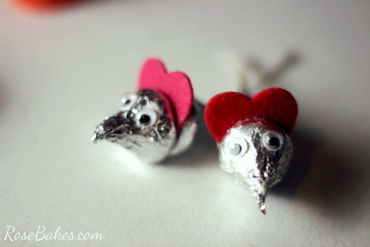 How to Make Valentine's Hershey Kisses Mice 06