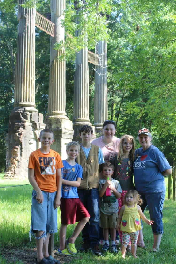 Geocaching with Mama and kids at Windsor Ruins