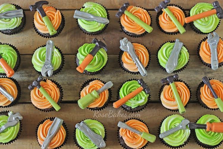 chocolate-tools-cupcakes