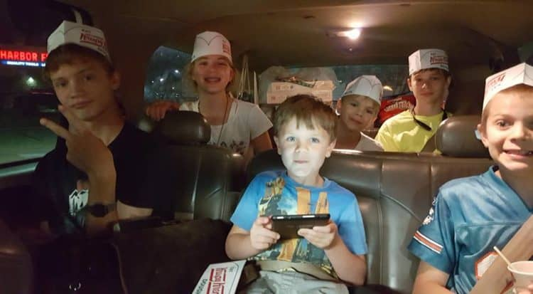 kids-in-the-excursion-getting-krispy-kreme-donuts