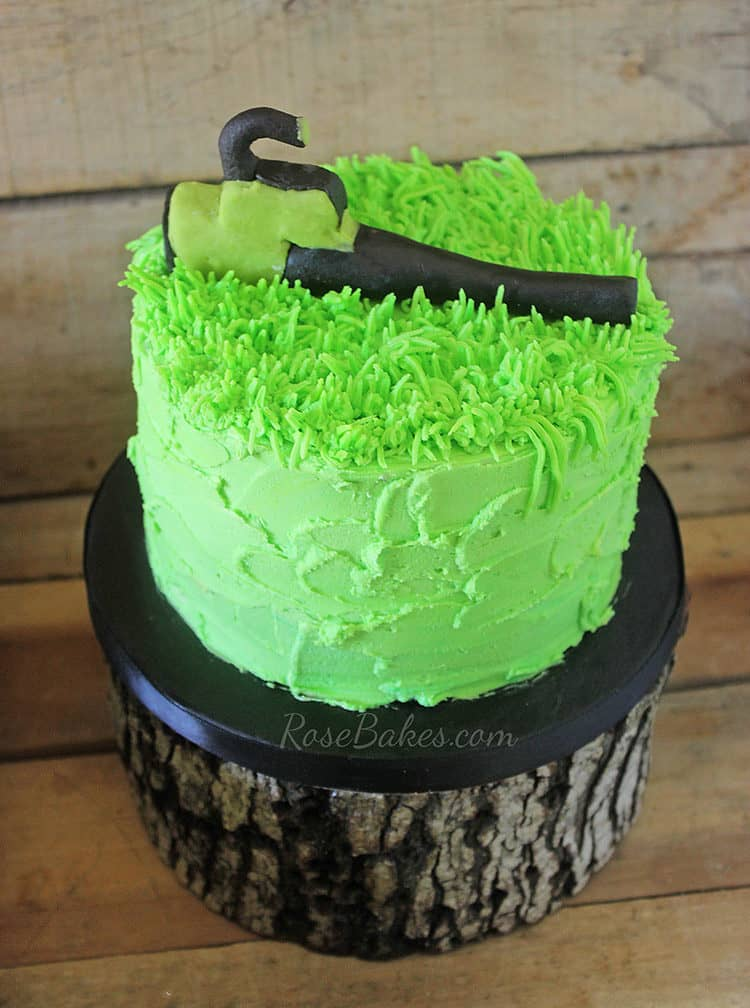 leaf-blower-smash-cake