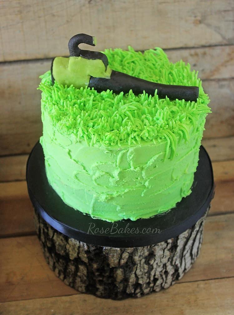 leaf-blower-smash-cake   Rose Bakes