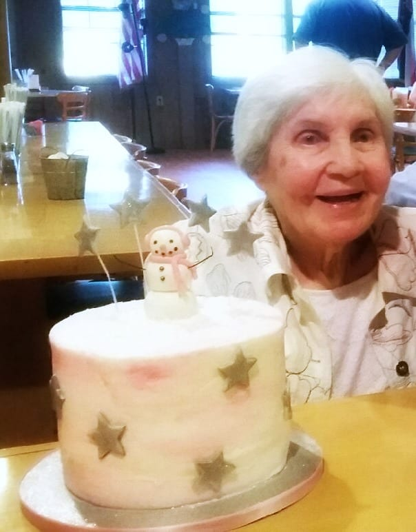 mrs-gladys-with-her-cake