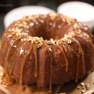 fresh-apple-cake-with-caramel-and-pecans