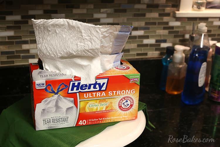 9 Ways to Use Trash Bags in Your Cake Business #HeftyHeftyHefty #HeftyHelper