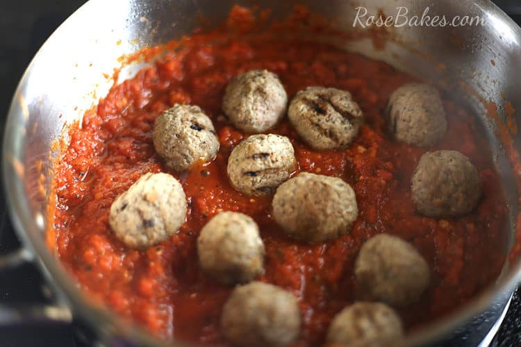 meatballs-in-warm-sauce