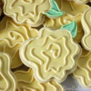 whimsical-yellow-rose-cookies