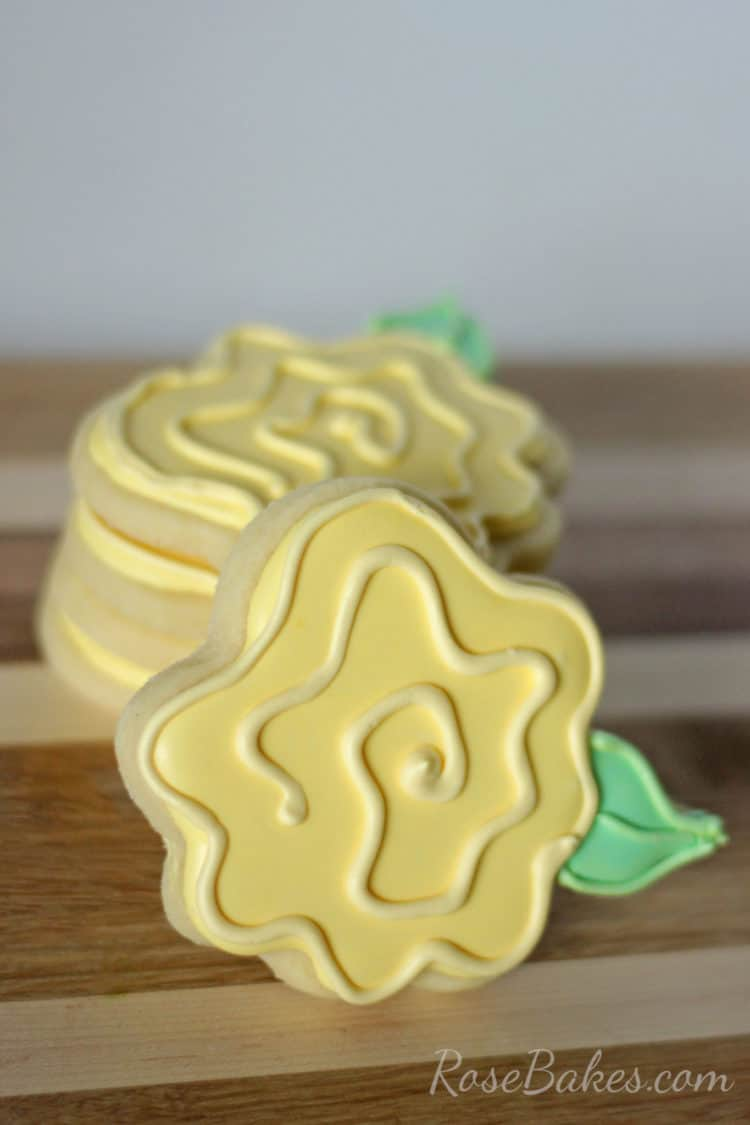 yellow-rose-cookies-by-rose-bakes