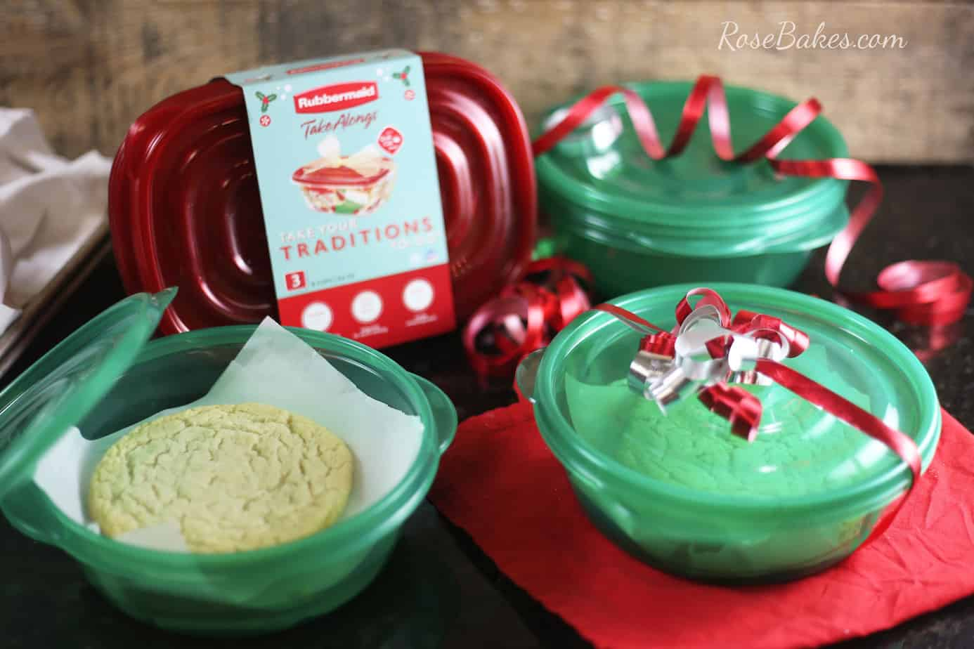 bakery-style-sugar-cookies-with-rubbermaid-takealongs