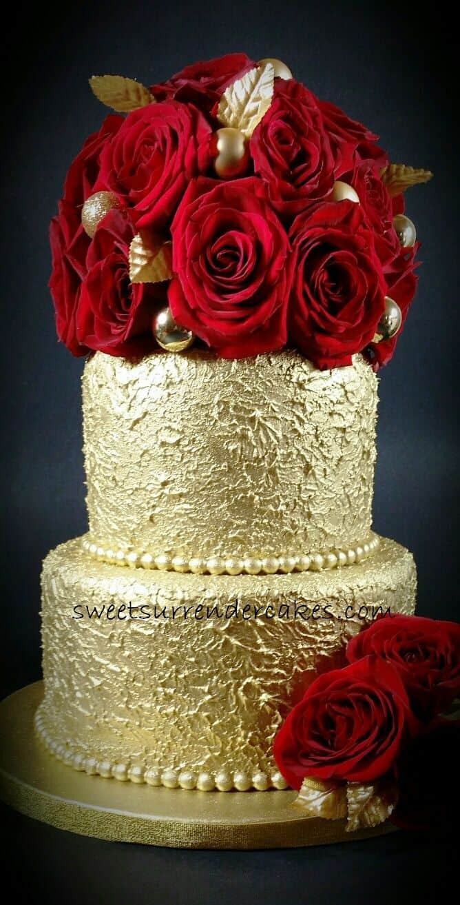Gold with Red Roses Cake