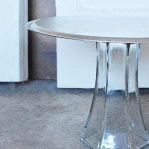 A Quick & Easy DIY Cake Stand