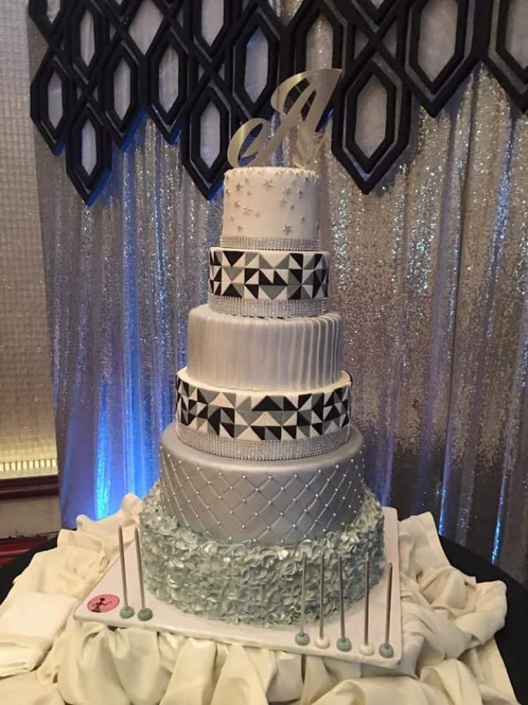 WTTC Winner Silver Cake