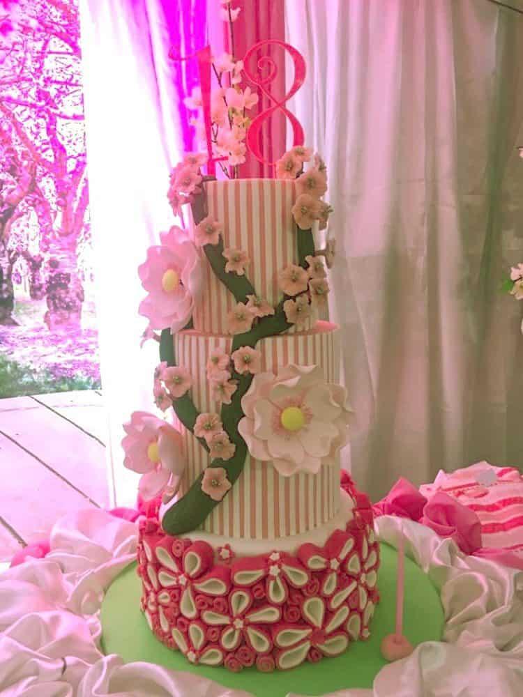 WTTC Winner Tall Flower Cake
