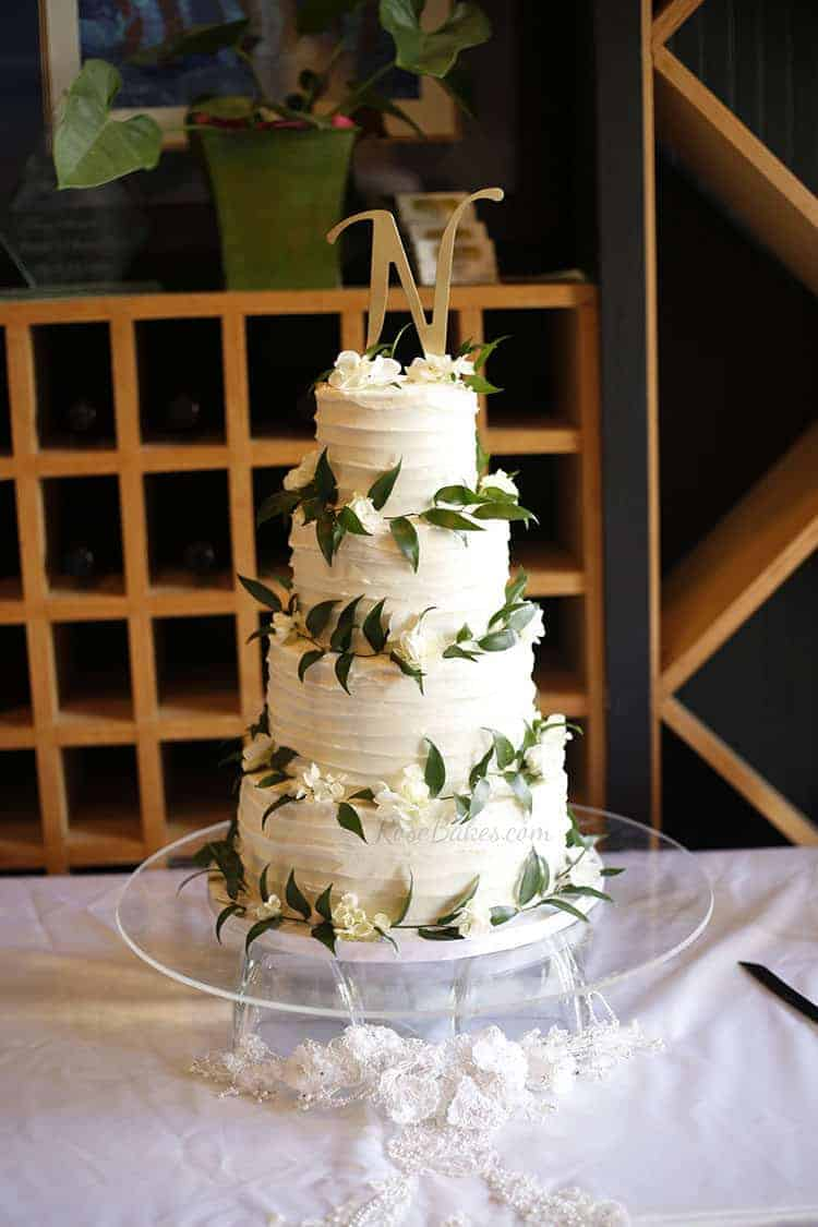 Textured Wedding Cake With Ruscus Amp Hydrangea Rose Bakes