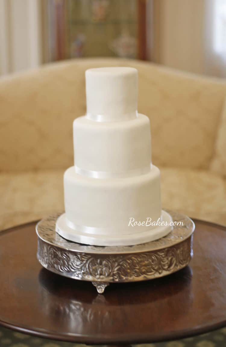 white simple wedding cake simple white wedding cake on different cake stands 27321