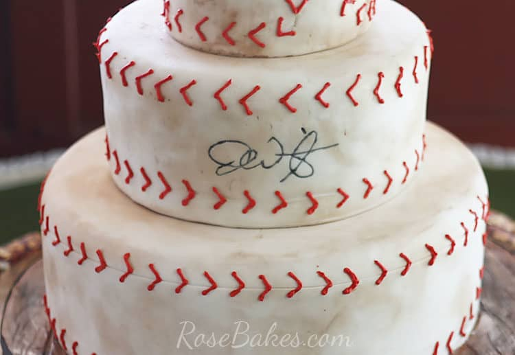Signature drawn on baseball groom's cake