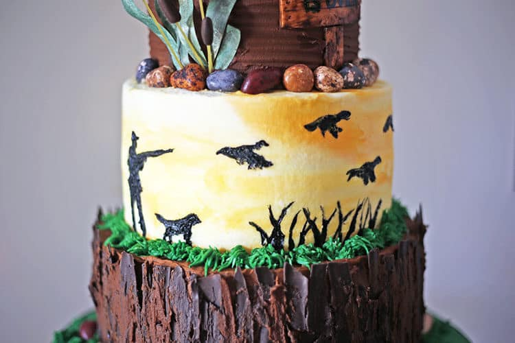 hand painted sillouettes on duck hunting groom's cake middle tier