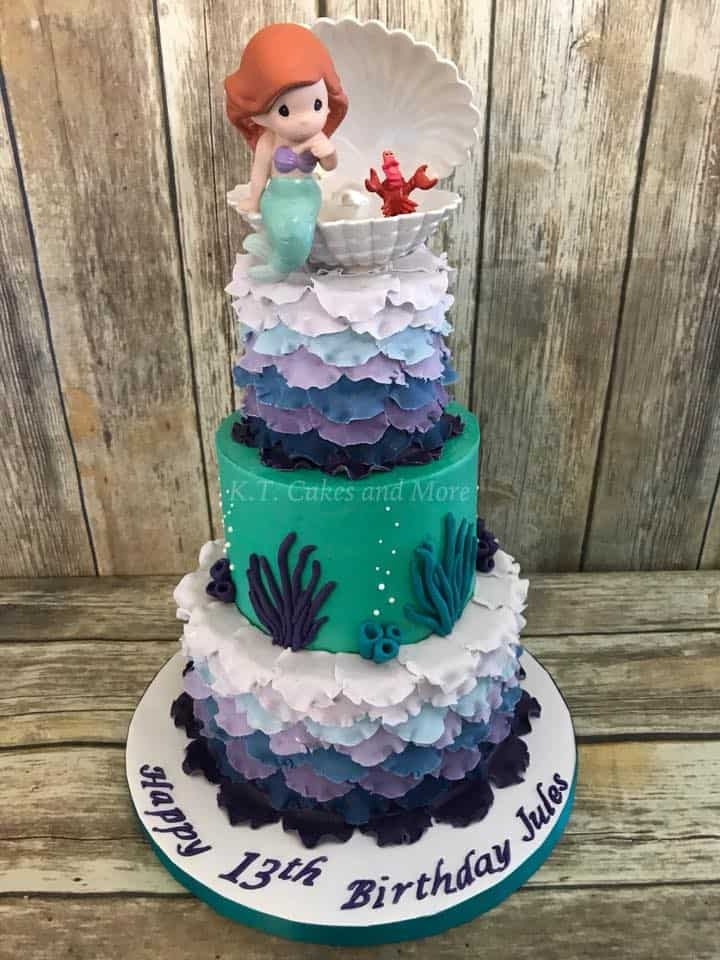 This One From KT Cakes And More The Sweet Topper Caught My Eye But Also All Of Ruffles In Multiple Colors I Know That Took Hours Work