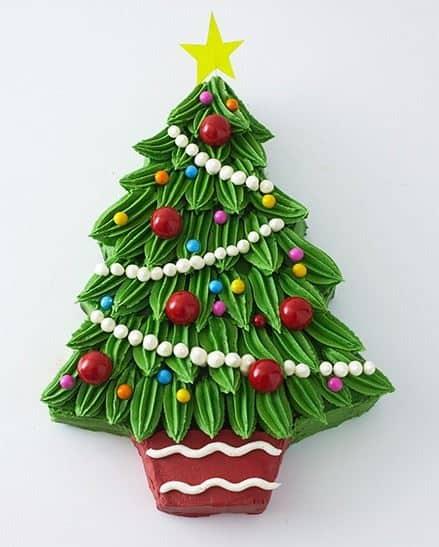 Buttercream Christmas Tree Cake