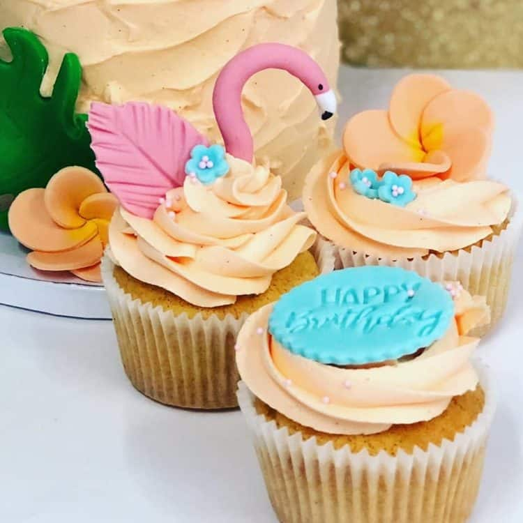 Tropical Flamingo Cupcakes