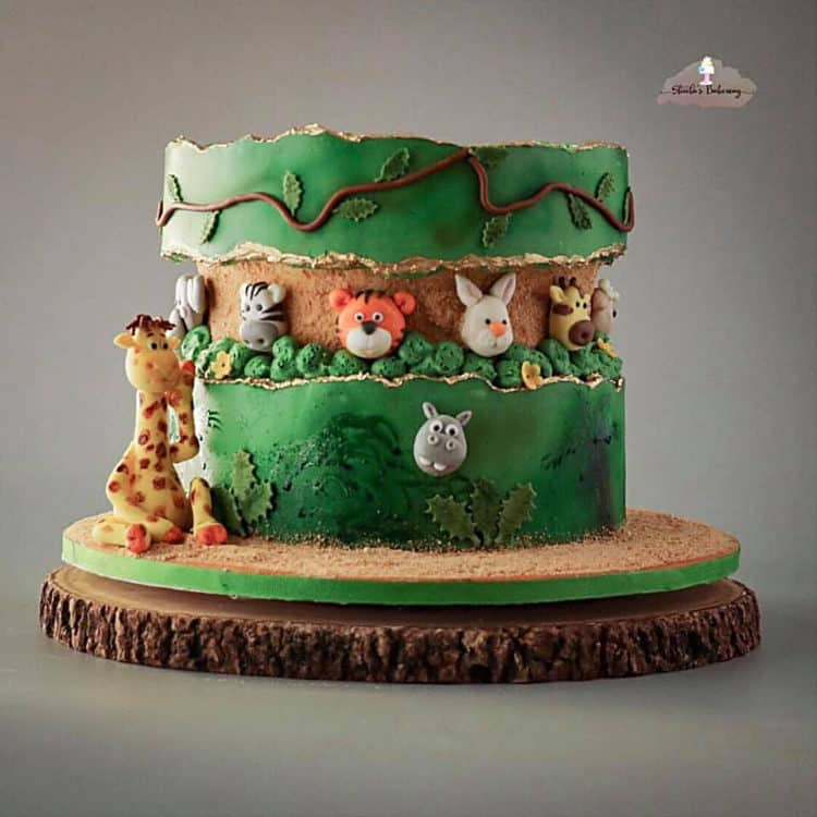15+ Fault Line Cakes that WOW - Jungle Themed Birthday Fault Line Cake with Animals vines and leaves