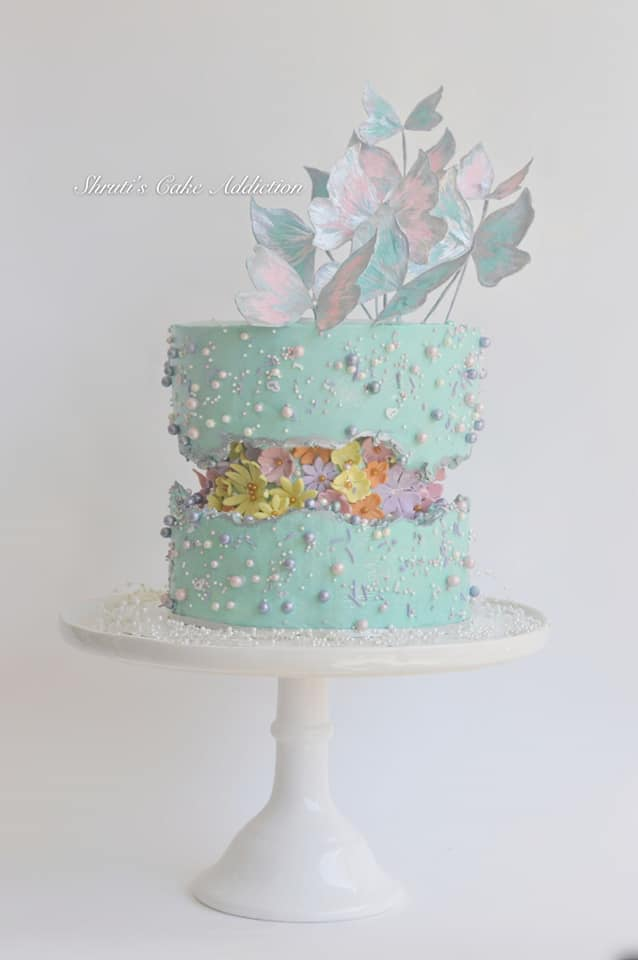 15+ Fault Line Cakes that WOW - Gender Reveal Pastel Fault Line Cake with Butterflies